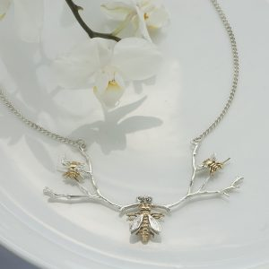 Queen bee necklace GS2