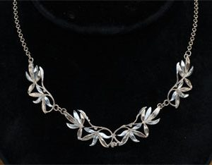 Wide Leaf necklace GS