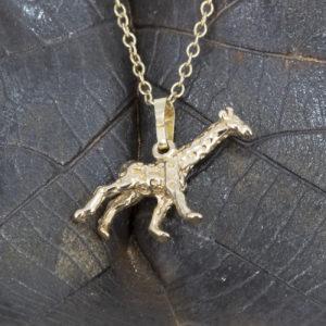 giraffe pendant g