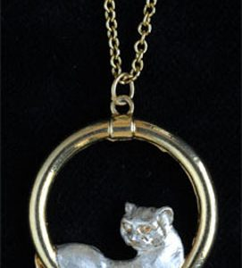 Cat in a circle pendant GS