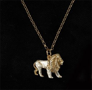 Lion pendant GS