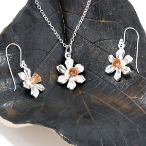 Daffodil Pendant and Earrings Set