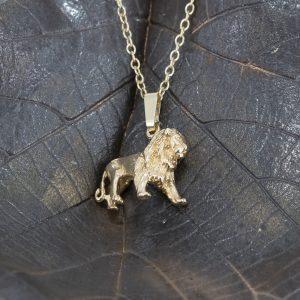 lion pendant g