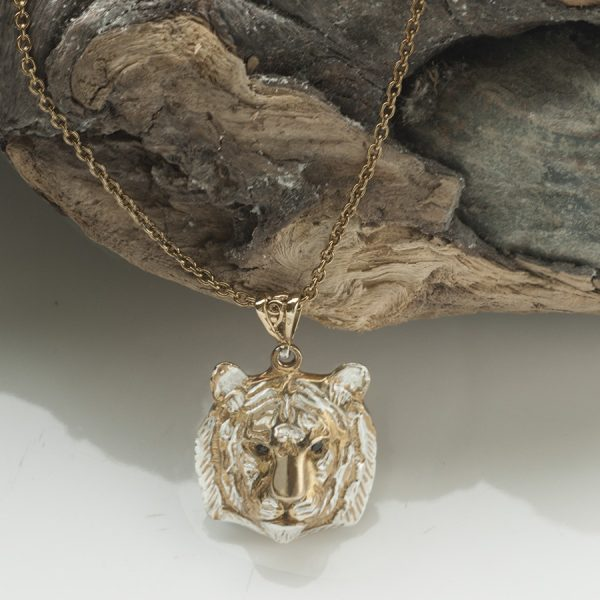 tiger head pendants with black diamonds GS