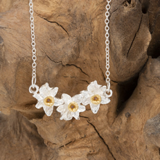 triple daffodil necklace